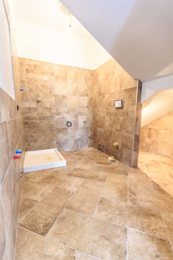 bagno rustico in villa bifamiliare ad avezzano