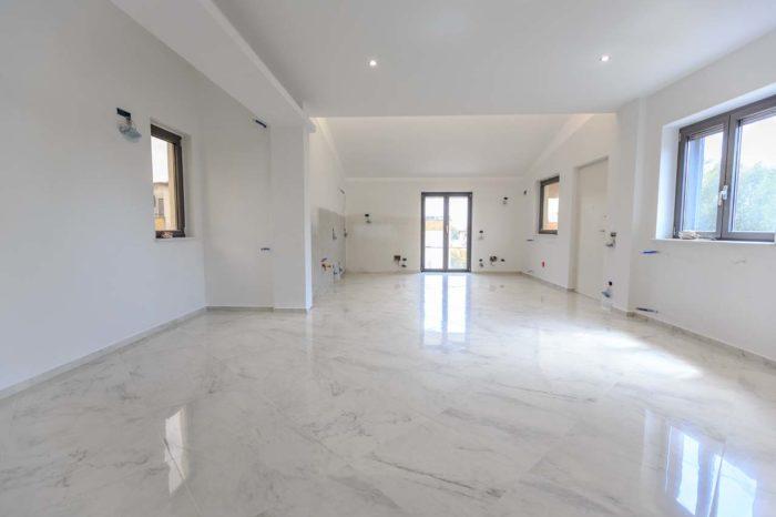 Salotto in marmo ad Avezzano (AQ)