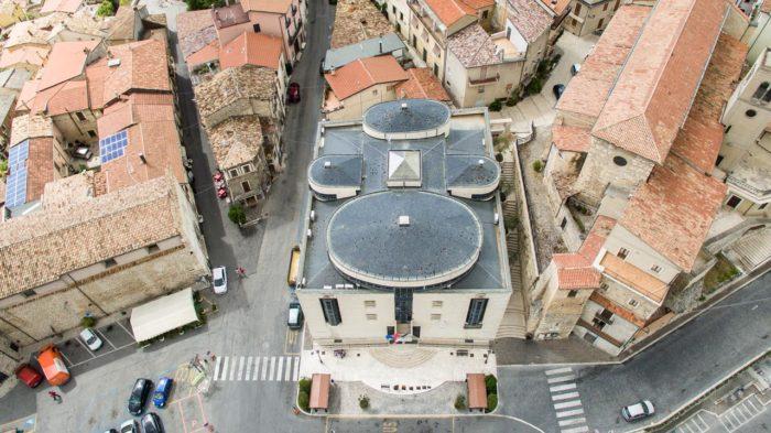 Vista aerea comune di Celano (AQ)